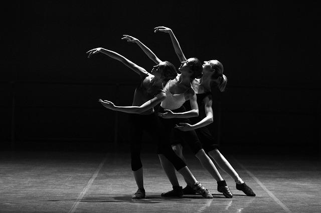 ballet-1376250_640